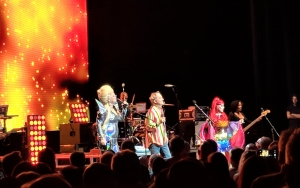 The B-52s, Hammersmith Apollo, London
